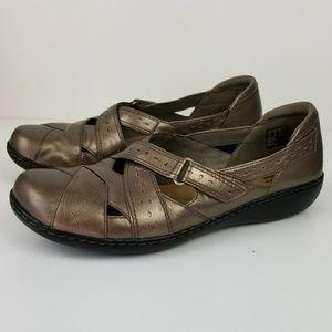 Clark's bendables metallic gold